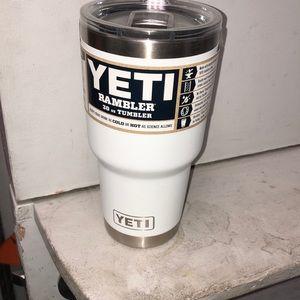 30 oz White Yeti